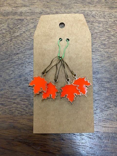 Bright Orange Leaf Stitch Marke 1